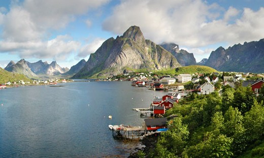 Reine_panoramic_Lofoten