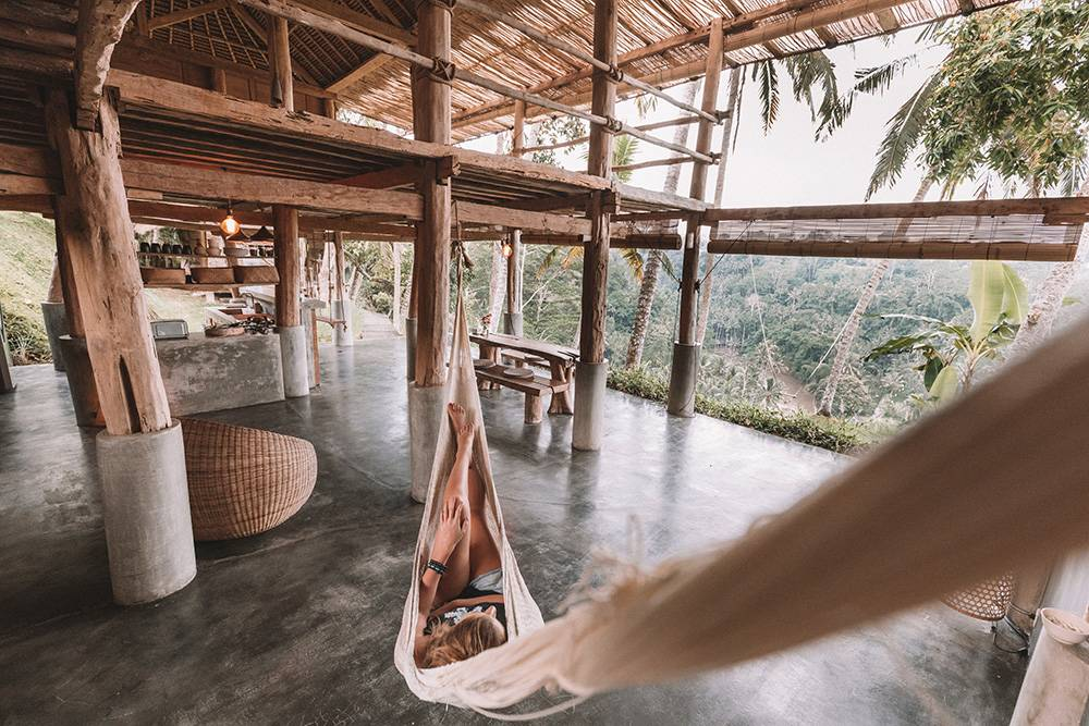 Wake up overlooking a rice field, or rather the beach, or a mountain? Let's show you where to stay in Bali and experience all it's diversity at its best