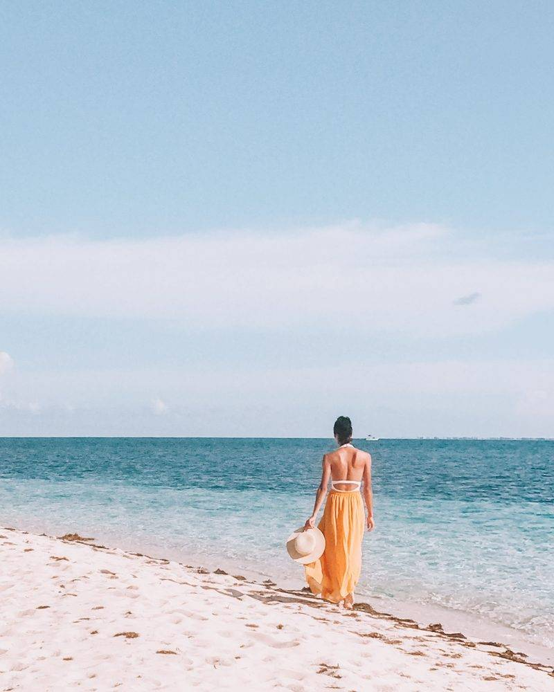 The complete guide to exploring Grand Bahama island, including things to do, see, and eat. We also share our favorite beaches, and hidden gems.