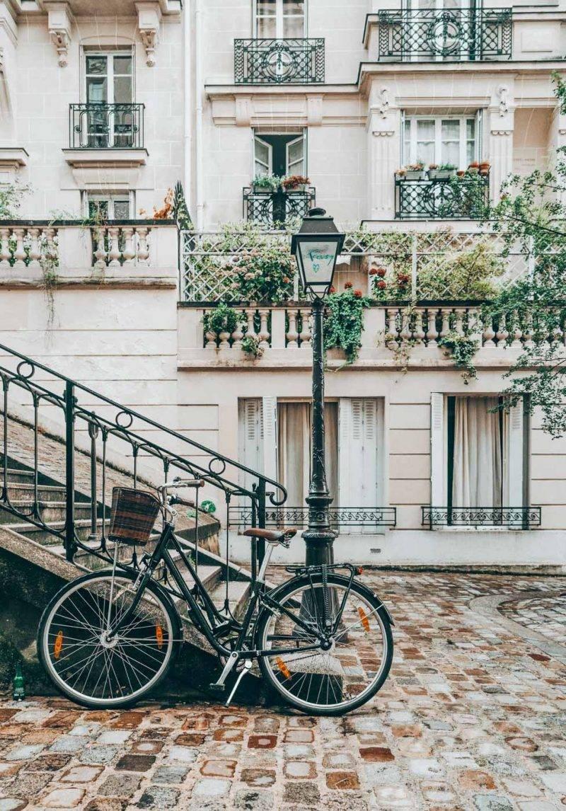 The ultimate list of all the hidden gems in Paris. Sharing our favorite hidden gems in Paris including something for the foodies! #Paris #Hiddengems #Paristhingstodo