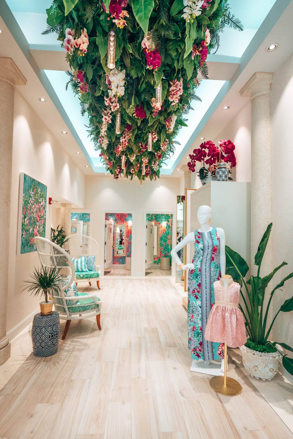 This Palm Beach Travel guide covers everything from where to stay, what to do, and where to eat- including a visit to the Lilly Pulitzer store