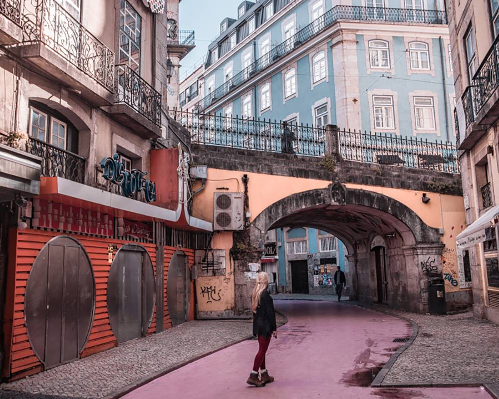 Pink Street is where all the hustle and bustle is at: great to spend your saturday eve in this Lisbon itinerary