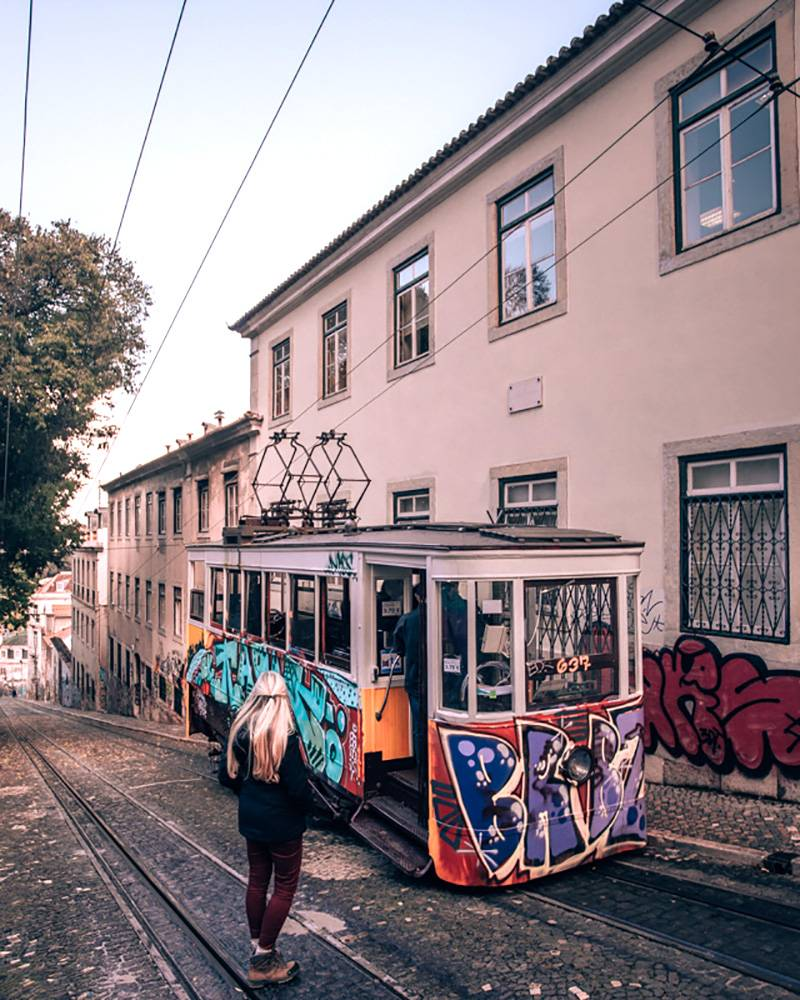 Who doesn't love old buildings mixed with weird street art? Head over to Lisbon with this itinerary to find out how lovely it is