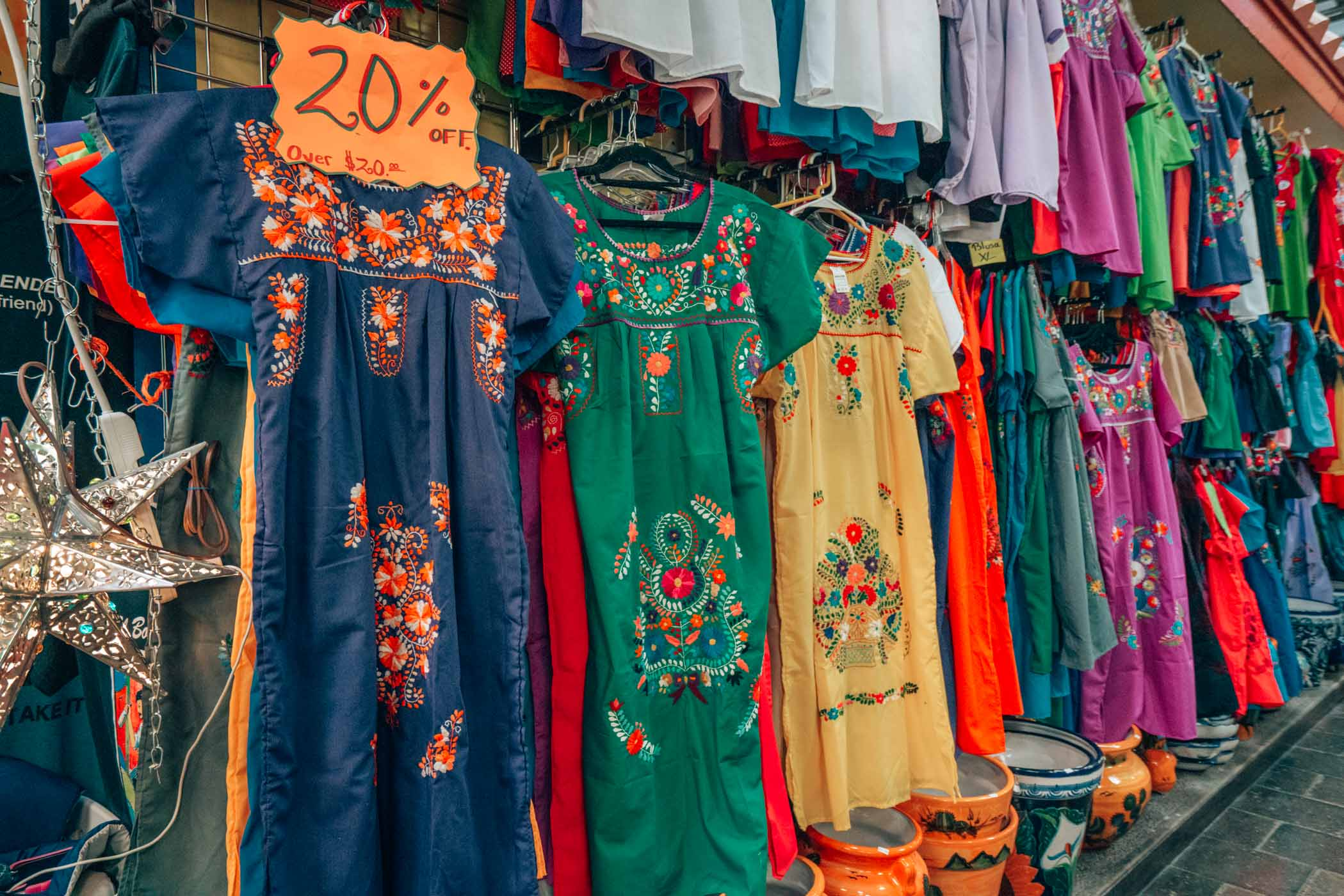 Find the best things to do in San Antonio Texas- including shopping in Market Square. #Texas #visitTexas #USA