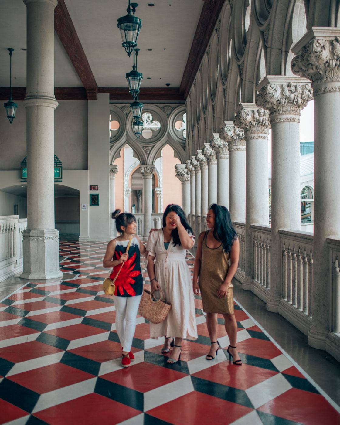 Vegas is what Instagram dreams are made of: we've visited some best insta spots on our girls' trip to Vegas with Suiteness