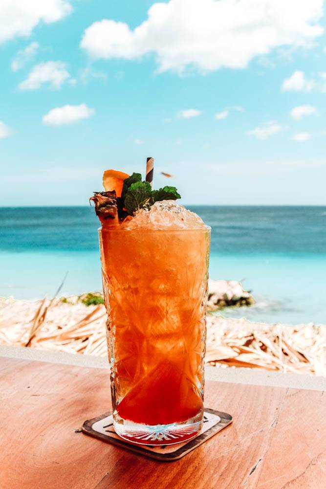 Beachfront drinks and healthy vibes, here are our favorite places to stop for a drink on a Curacao itinerary