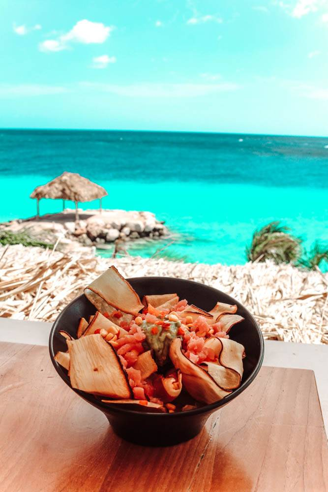 Looking for the ultimate foodies guide to Curacao? We've got some incredible picks for you!