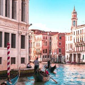 Some trips will be dear for a lifetime: get your mom to Italy and find out all the Fun Things to do in Italy on a mother-daughter trip!