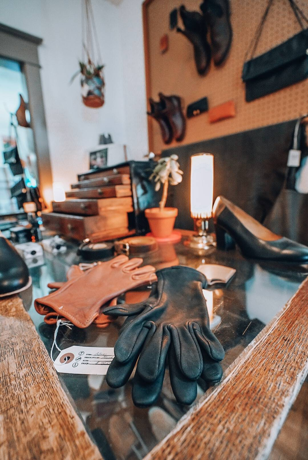Planning a trip to Saskatoon? Check out this guide covering everything to do, see and eat in Saskatoon including a stop at Last Shoes to pick up a bespoke leather treasure!