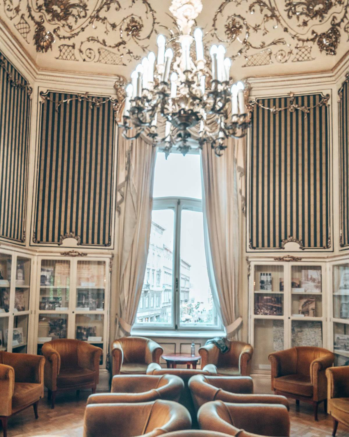 Metropolitan Ervin Szabó Library is one of the prettiest photo spots for instagrammers in Budapest, and more than worth a visit!