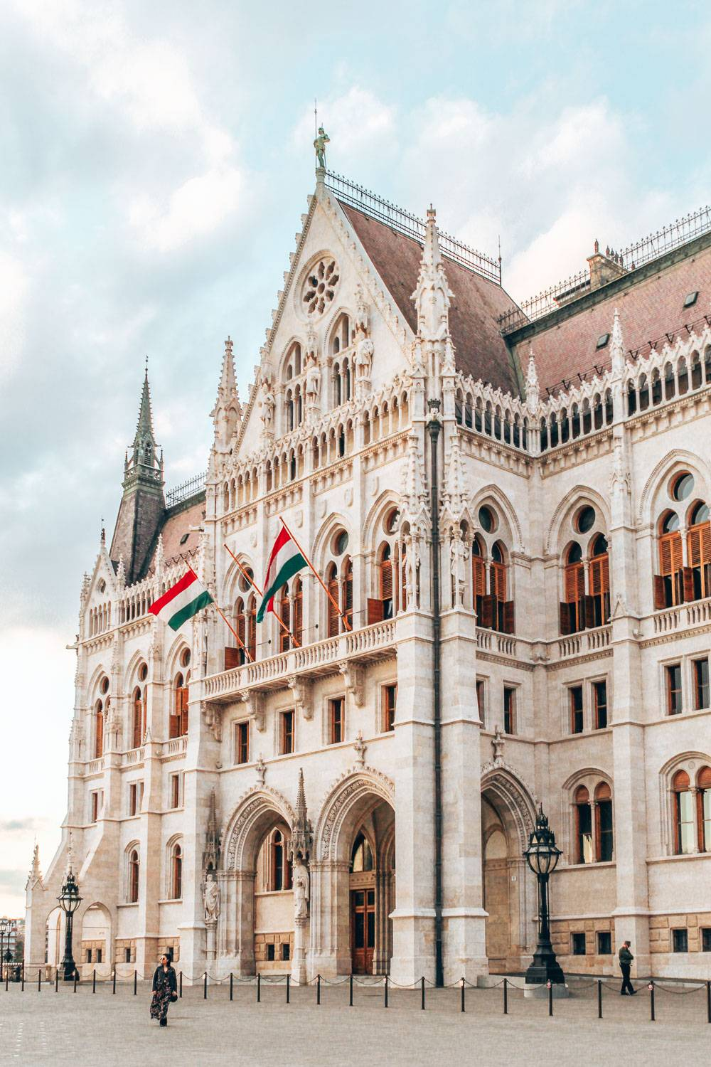 Looking for the best photo spots in Budapest to up your photography game? We have you covered. #Budapest #hungary instagram Spots In Budapest | Best Instagram Spots In Budapest | best instagram photo locations in Budapest | Budapest travel destination | best lookout points in Budapest | beautiful scenery in Budapest | where to go in Budapest | what to see in Budapest | cute travel photos in Budapest | best photos in budapest | Hungarian Parliament in budapest