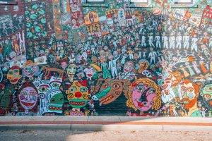 Heading to Charleston West Virginia? Heres the ultimate guide telling you all the best things to do in Charleston including where to find the best street art.