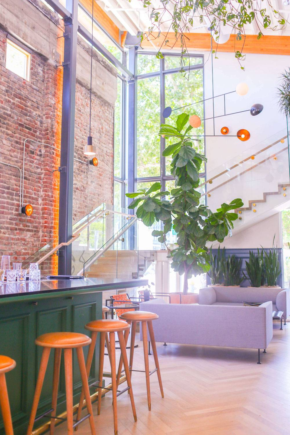 Looking for the most instagrammable places in Sacramento? Well, look no further- we'll pulled together the list of all the cute and instagrammable coffee shops, and wall art, and cute ice cream parlours so you can snap away!