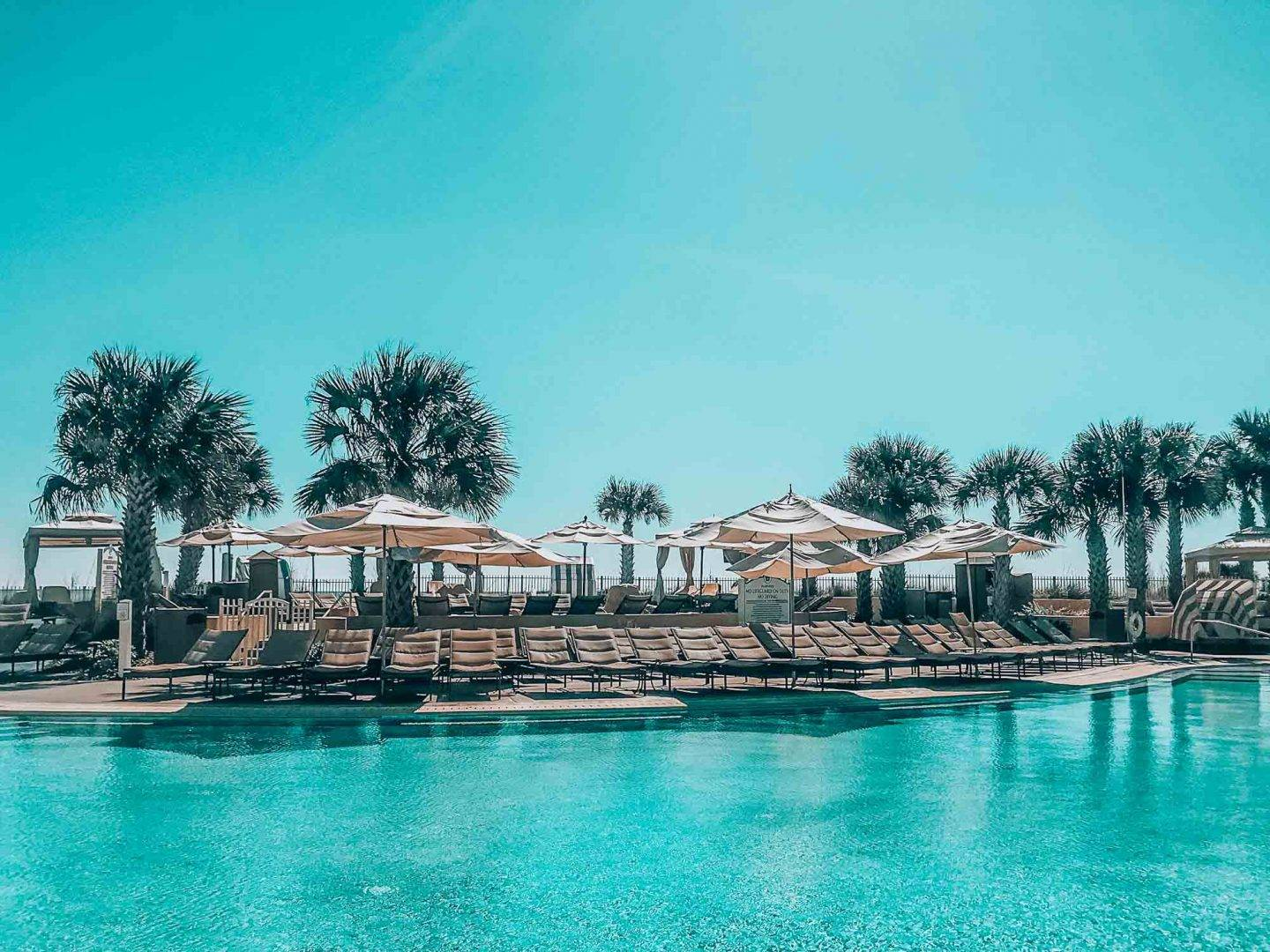 The ultimate guide to Amelia Island in Florida. This guide shows you things to do, where to stay and what to eat.