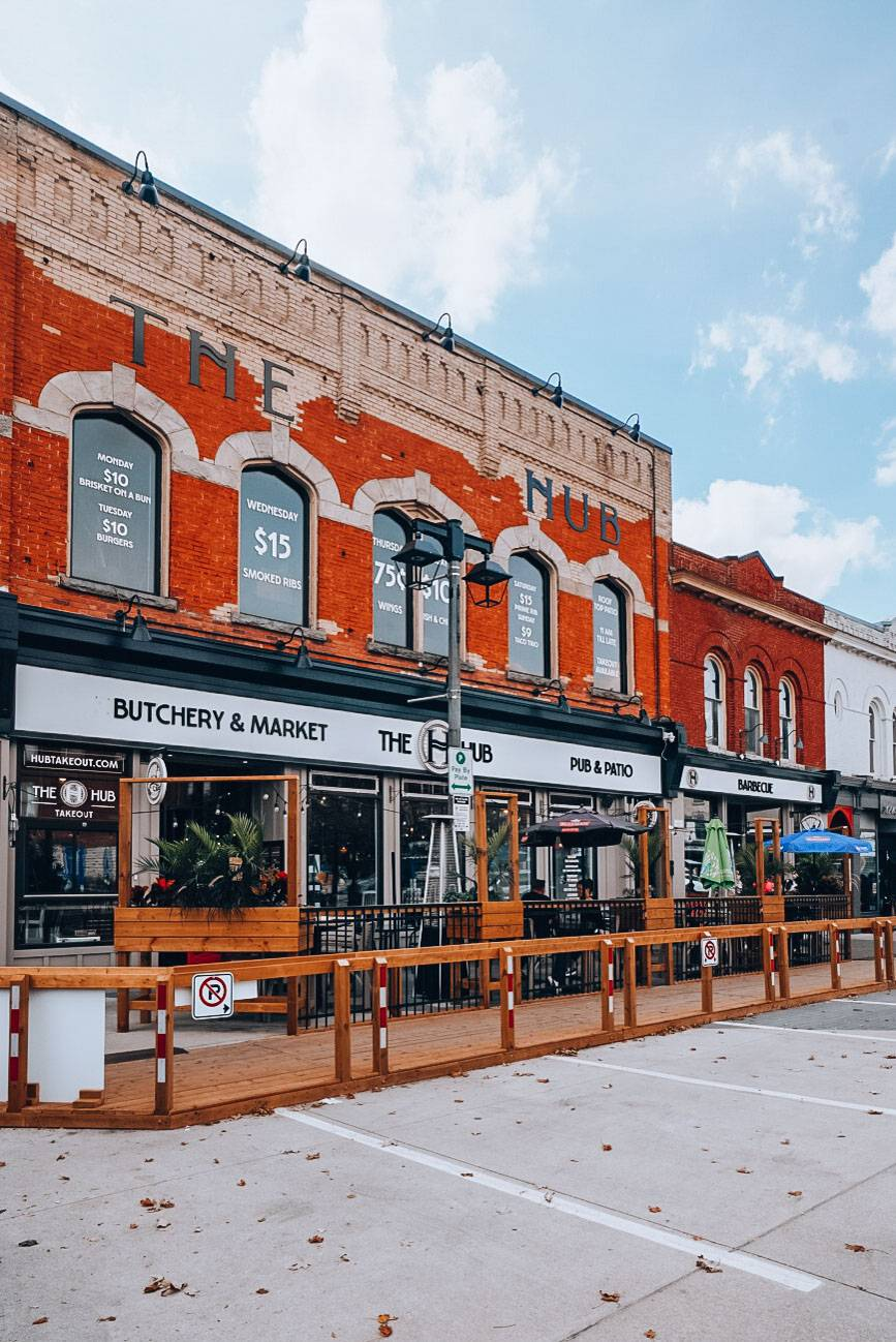 This guide helps you figure out the best restaurants in Stratford and other things to do in Stratford so you can make your time in Stratford the best possible.